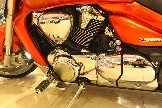 Suzuki Intruder quai vat 1800 phan khoi tai Sai Gon - 3