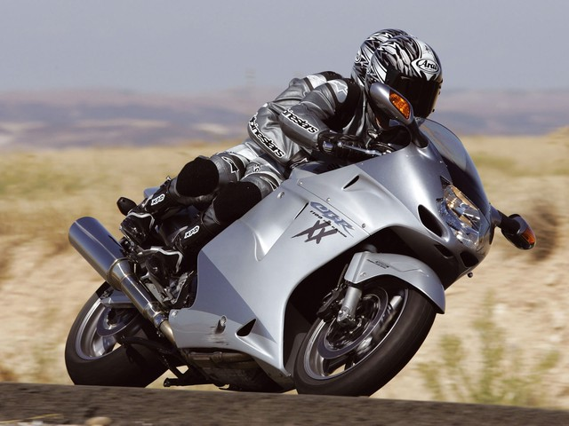 Top 10 sieu moto so huu toc do nhanh nhat the gioi - 7