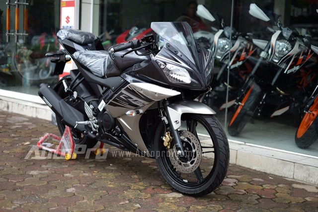 Vua ve toi Viet Nam Yamaha R15 da khong con hang de ban - 3