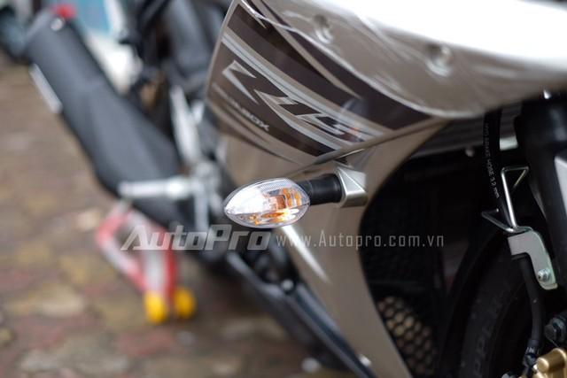 Vua ve toi Viet Nam Yamaha R15 da khong con hang de ban - 14