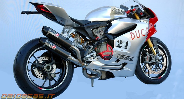 Ducati 1199 with QD Exhaust
