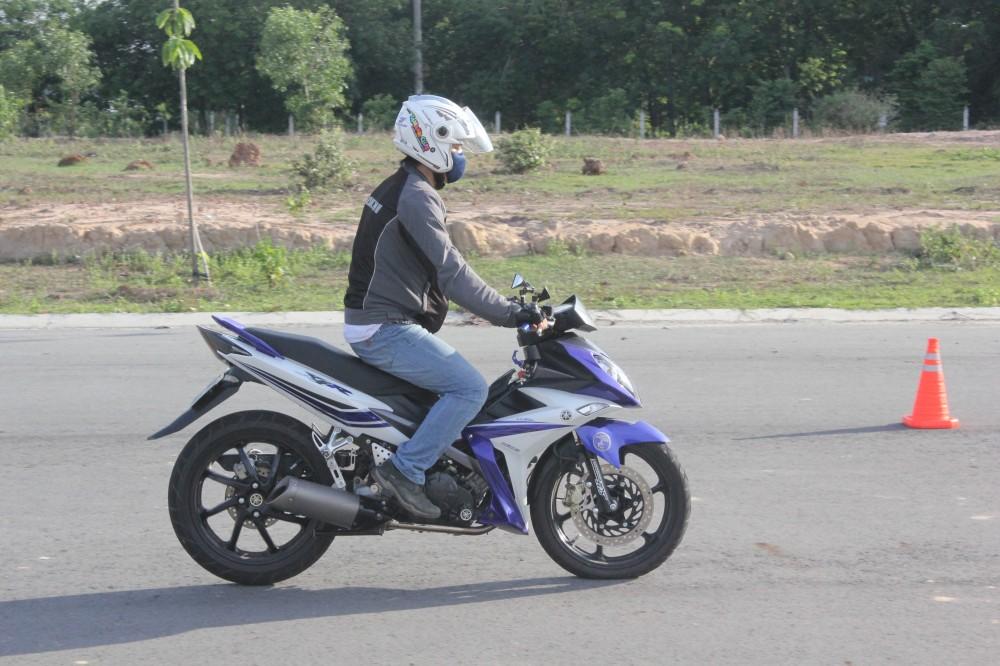 Hinh anh X1R cua ExClub Binh Duong bieu dien Stoppies