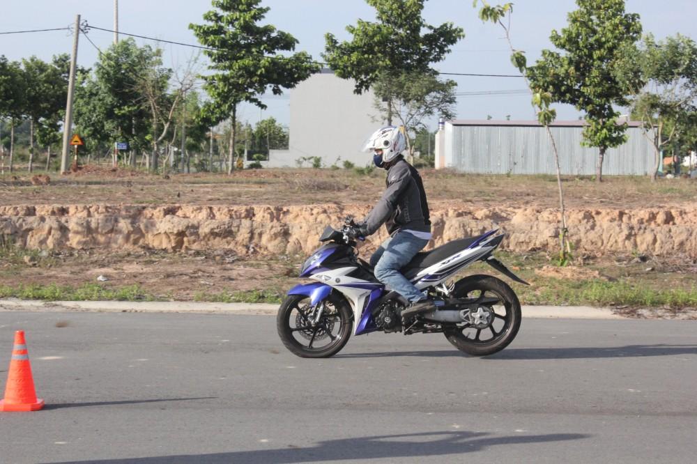 Hinh anh X1R cua ExClub Binh Duong bieu dien Stoppies - 4