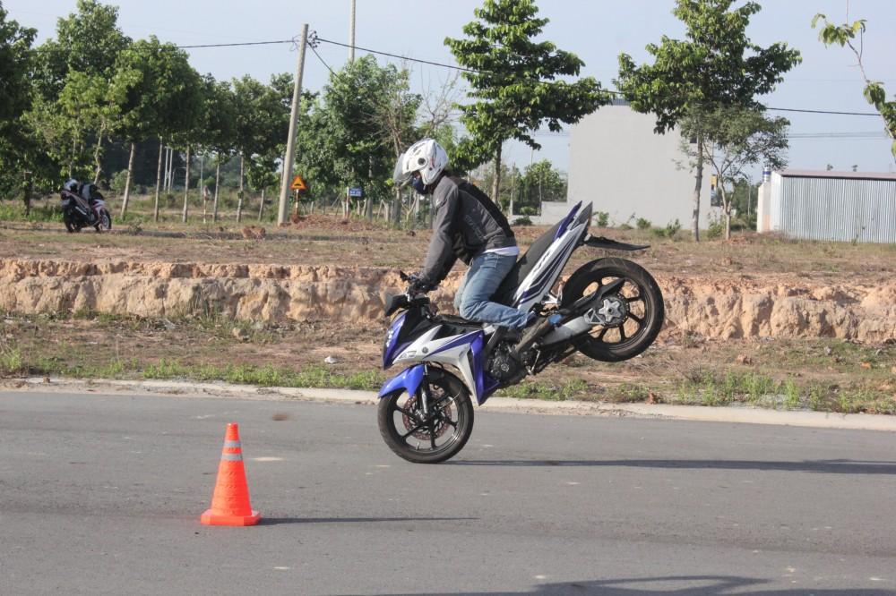 Hinh anh X1R cua ExClub Binh Duong bieu dien Stoppies - 6