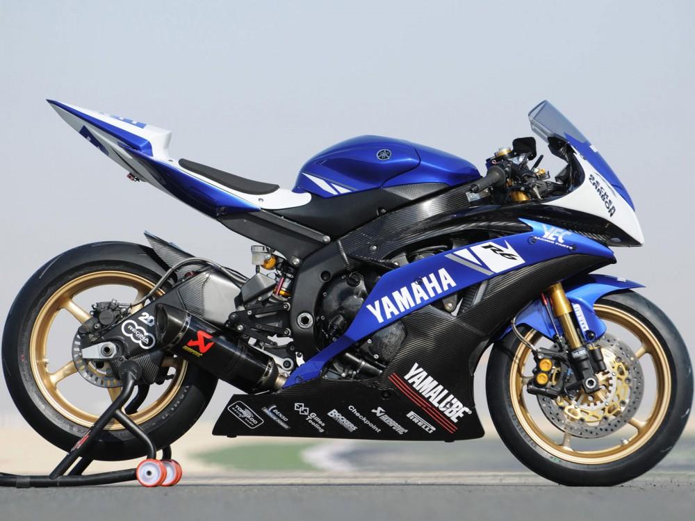 Yamaha R6 manh me tren duong dua - 2