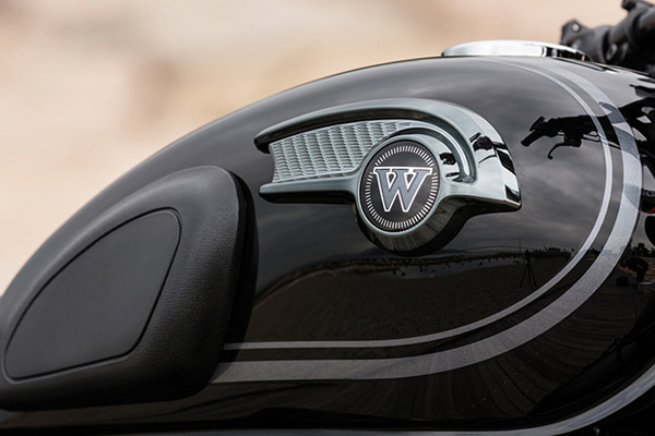 Kawasaki W800 Black Edition 2015 vua duoc cho ra mat - 4