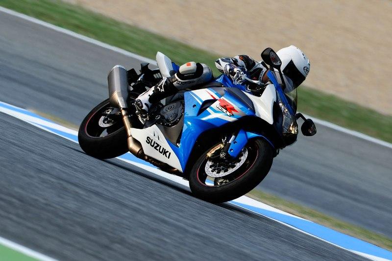 Suzuki trieu hoi 23000 chiec sportbike GSXR750 va GSXR1000 - 4
