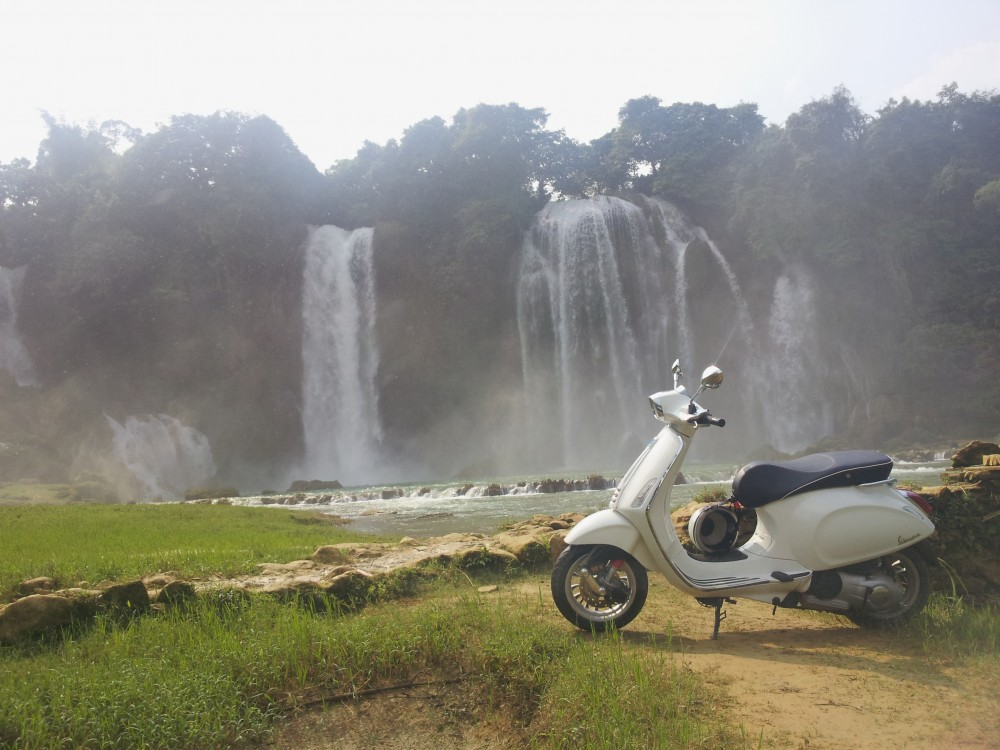 Xuc cam tran day cung hanh trinh Vespa On The Road - 3