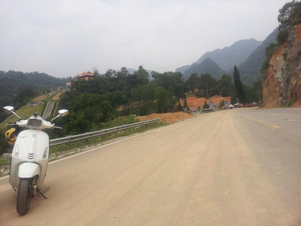 Xuc cam tran day cung hanh trinh Vespa On The Road - 5