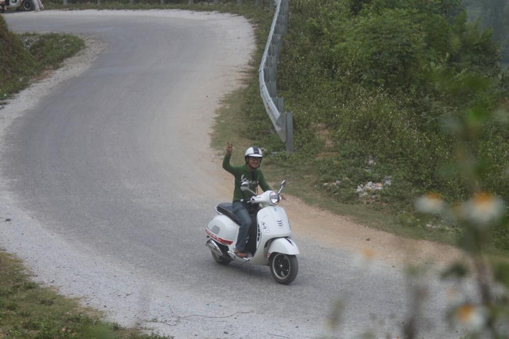 Xuc cam tran day cung hanh trinh Vespa On The Road - 7