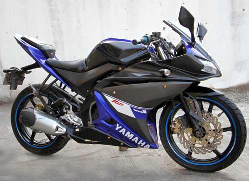 Yamaha FZ150i do ham ho thanh sportbike R125 - 2