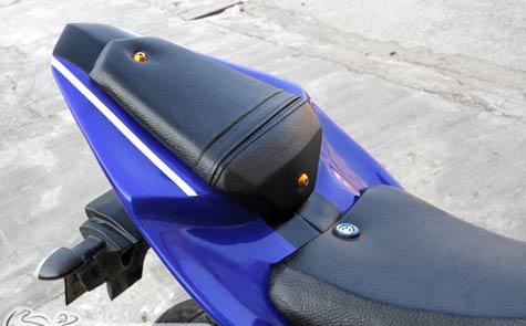 Yamaha FZ150i do ham ho thanh sportbike R125 - 6