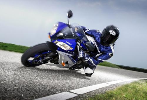 Yamaha R6 ra mat phien ban 2015 phong cach MotoGP - 5