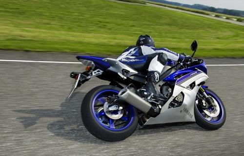 Yamaha R6 ra mat phien ban 2015 phong cach MotoGP - 8