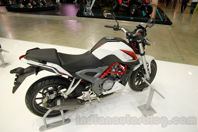 Can canh chiec nakedbike gia re Benelli BN251 - 2