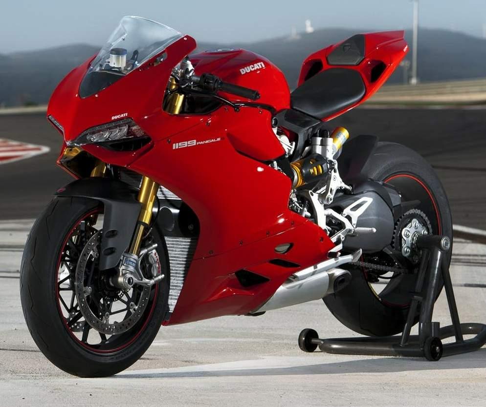 Ducati 1199 Panigale Sieu Motor thuong mai cung cai gia ngat nguong