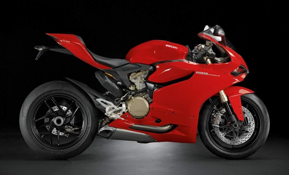 Ducati 1199 Panigale Sieu Motor thuong mai cung cai gia ngat nguong - 2