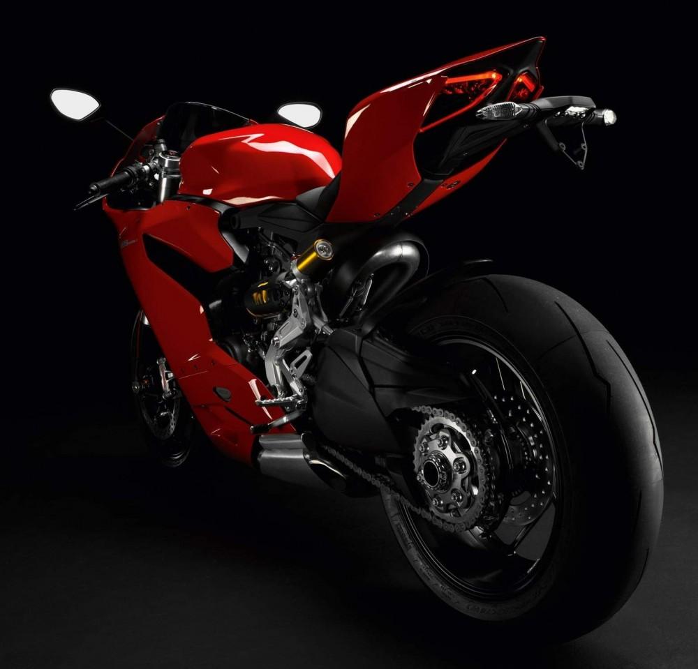 Ducati 1199 Panigale Sieu Motor thuong mai cung cai gia ngat nguong - 7