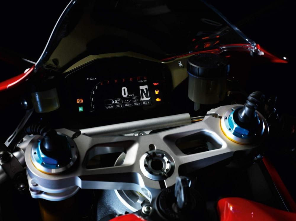 Ducati 1199 Panigale Sieu Motor thuong mai cung cai gia ngat nguong - 8