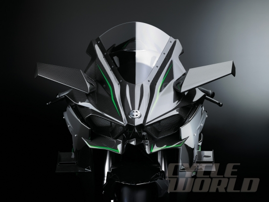 Kawasaki Ninja H2 se ra mat ban thuong mai vao thang 11 - 4
