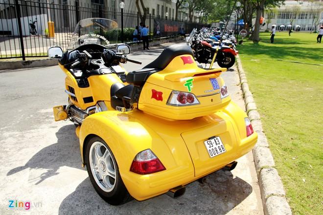 Honda Gold Wing Do 3 banh tai Sai Gon - 3
