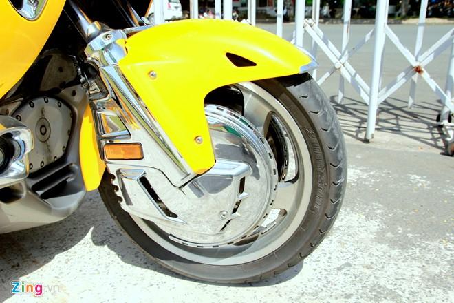 Honda Gold Wing Do 3 banh tai Sai Gon - 7