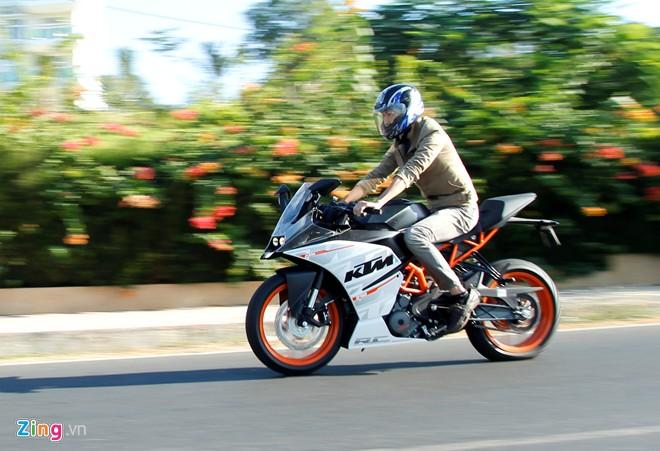 KTM RC390 Danh gia moto co nho cua KTM - 4