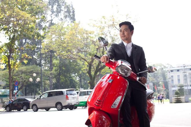Vespa Sprint lich lam cung MC Phan Anh - 4
