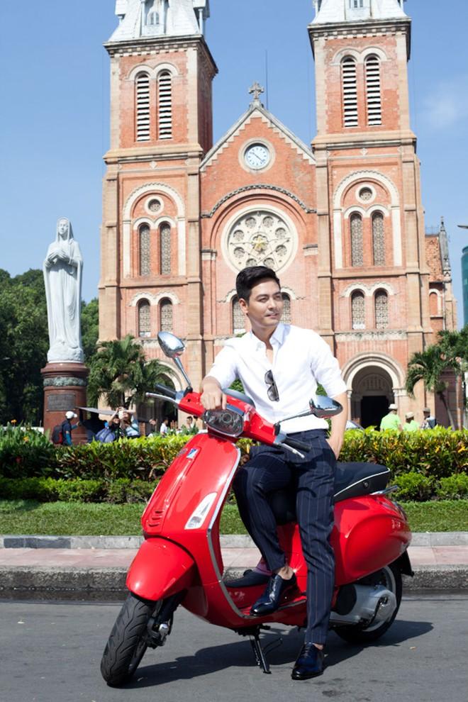 Vespa Sprint lich lam cung MC Phan Anh - 5