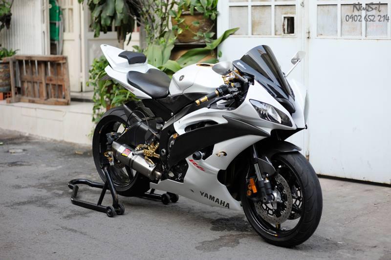 Yamaha R6 voi nhieu do choi khung cua Biker Sai Gon