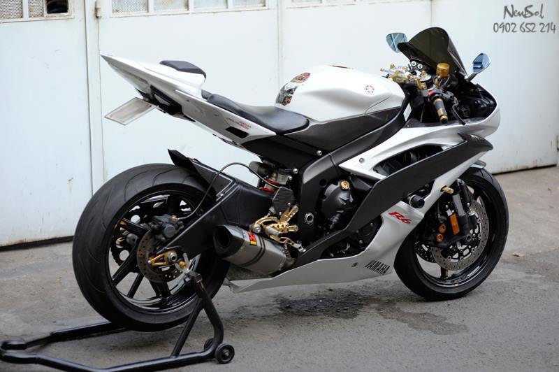 Yamaha R6 voi nhieu do choi khung cua Biker Sai Gon - 2