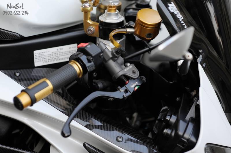 Yamaha R6 voi nhieu do choi khung cua Biker Sai Gon - 5