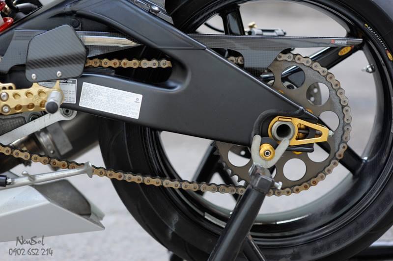 Yamaha R6 voi nhieu do choi khung cua Biker Sai Gon - 6