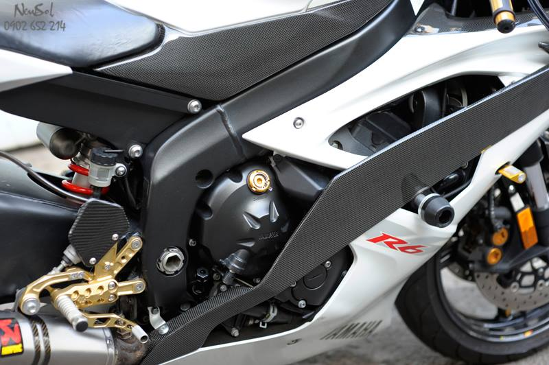 Yamaha R6 voi nhieu do choi khung cua Biker Sai Gon - 9
