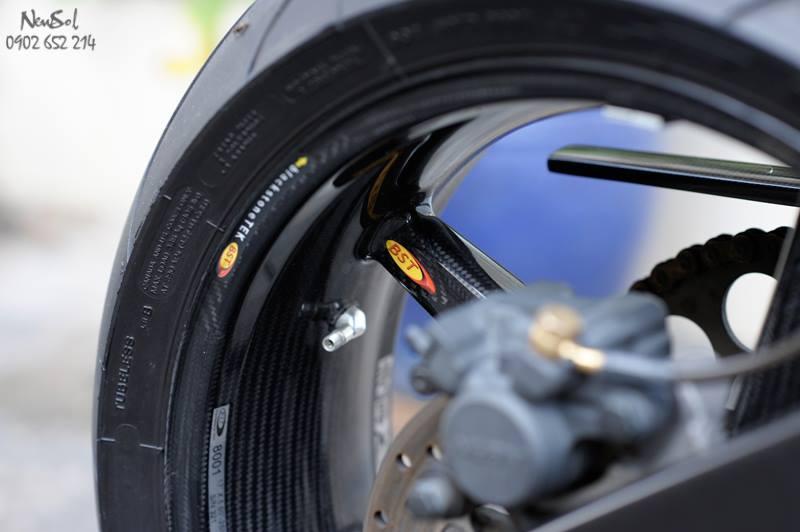 Yamaha R6 voi nhieu do choi khung cua Biker Sai Gon - 12