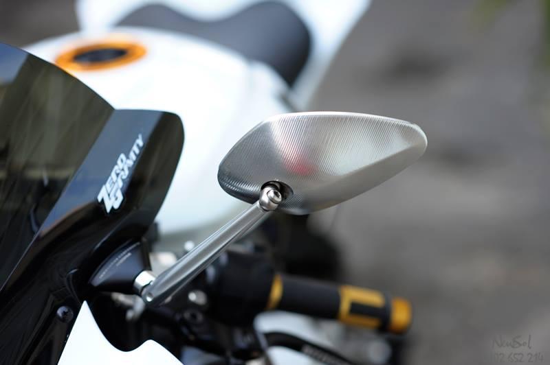 Yamaha R6 voi nhieu do choi khung cua Biker Sai Gon - 14