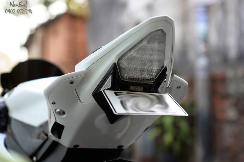 Yamaha R6 voi nhieu do choi khung cua Biker Sai Gon - 15