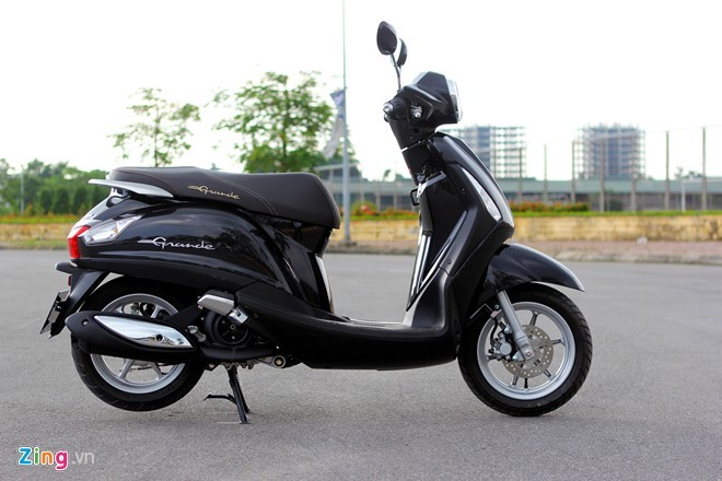 Yamaha va Honda cung tung dich vu Den xe mat cap o Viet Nam - 2