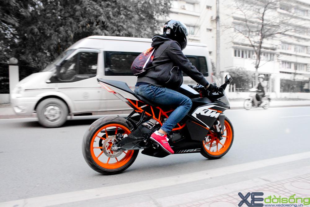Can canh KTM RC200 chiec mo to gia re dau tien tai Ha Noi - 2