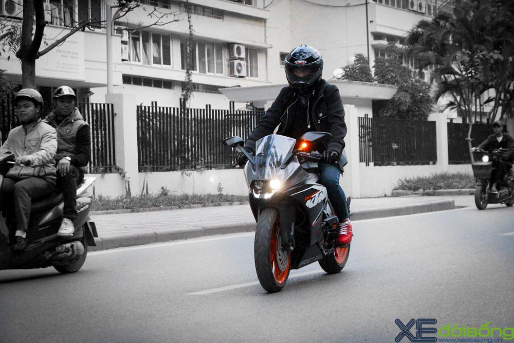 Can canh KTM RC200 chiec mo to gia re dau tien tai Ha Noi - 3