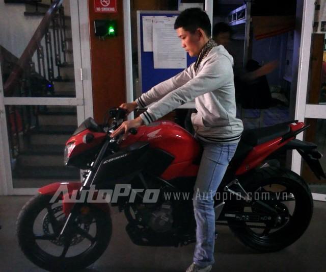 Honda CB300F dau tien tai Ha Noi Anh chi tiet - 2