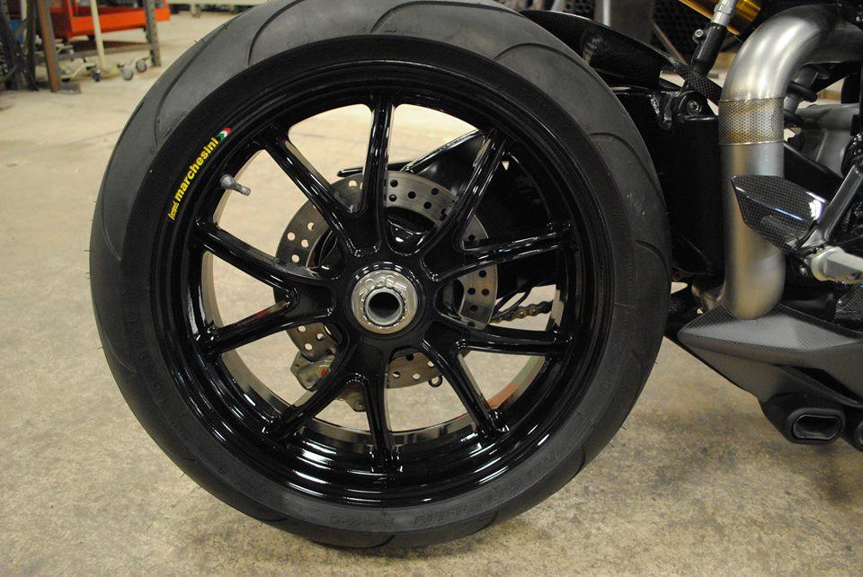 Ducati 999 phien ban Carbon Fiber - 7