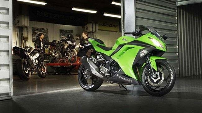 Kawasaki Ninja 300 ra mat tai Indonesia voi gia 137 trieu dong