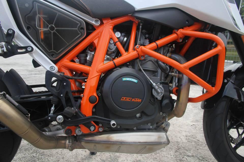 KTM Duke 690 cung po Akrapovic - 4