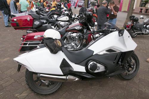 Dan Moto khung tu tap ve Ha Noi - 9
