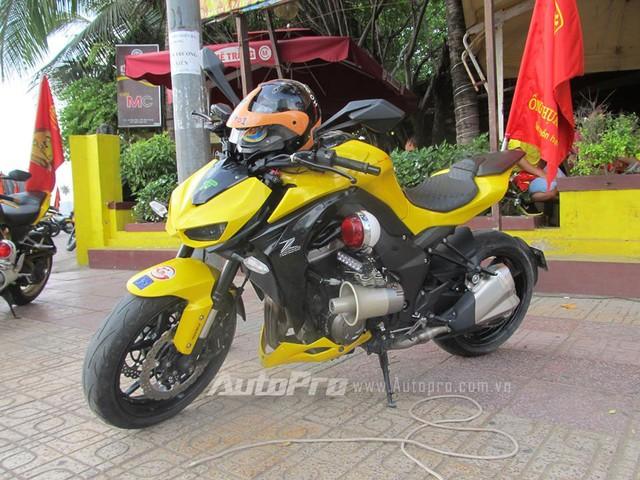 Doan moto dan doan voi tong mau vang choi tai Nha Trang - 8