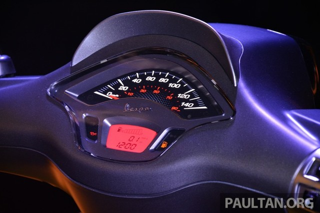 Vespa Sprint 150 vua ra mat tai Malaysia co gia cao hon tai VN - 3