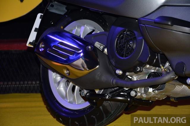 Vespa Sprint 150 vua ra mat tai Malaysia co gia cao hon tai VN - 4