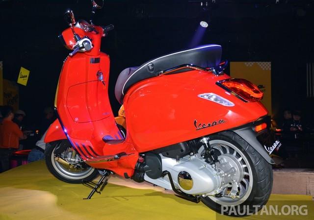 Vespa Sprint 150 vua ra mat tai Malaysia co gia cao hon tai VN - 5