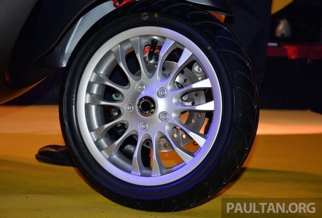 Vespa Sprint 150 vua ra mat tai Malaysia co gia cao hon tai VN - 12